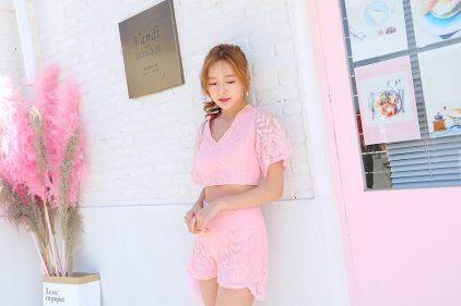 Valentine Short in Pink