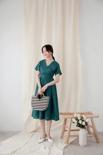 Mary Midi Dress in Green 12