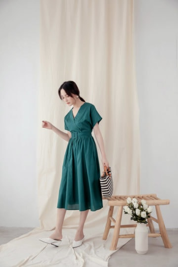 Mary Midi Dress in Green 13