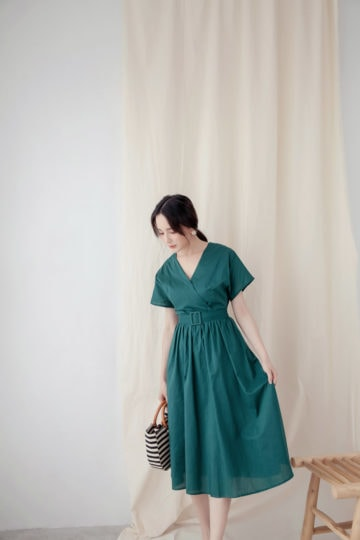 Mary Midi Dress in Green 14