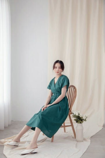Mary Midi Dress in Green 10