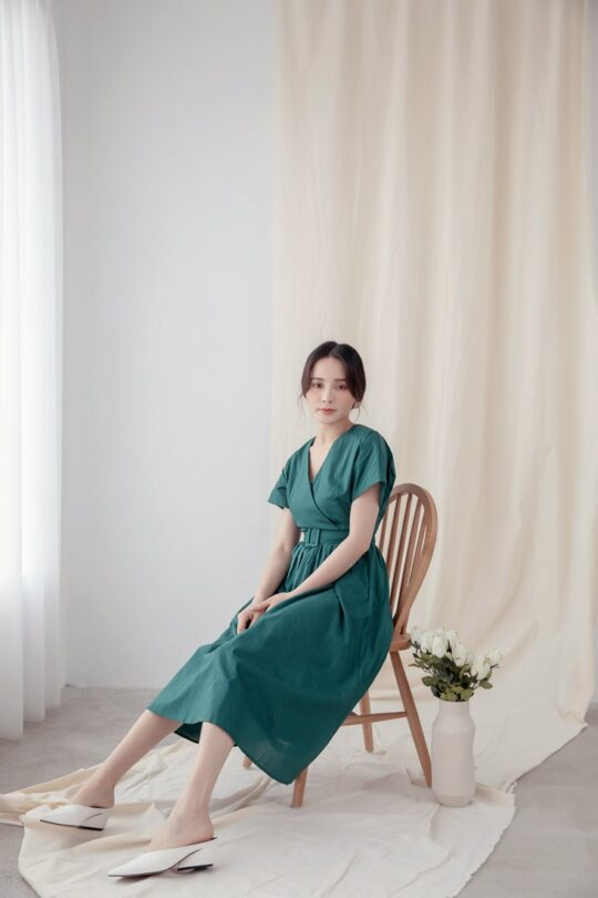 Mary Midi Dress in Green 4