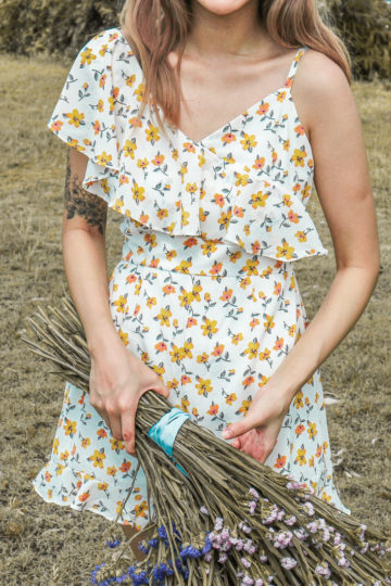Mellow Playsuit in Yellow Flower 9
